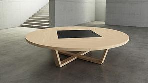 Mesa de reuniones redonda de madera con electrificación
