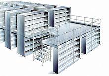 Plataformas elevadas con estanterías metálicas
