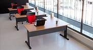 Mesas oficina con pata metálica electrificable