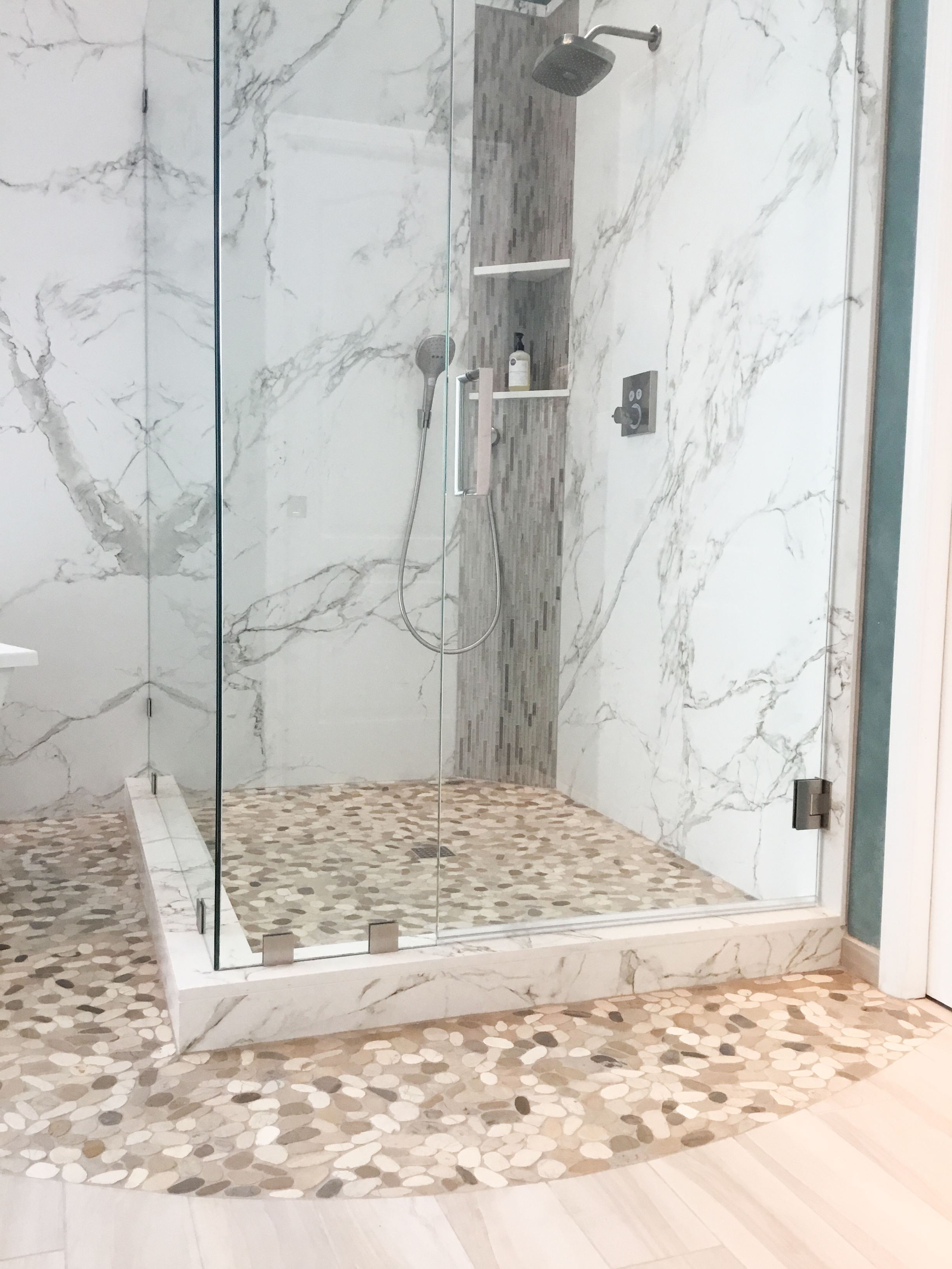 Dekton Solid Surface On Shower Walls