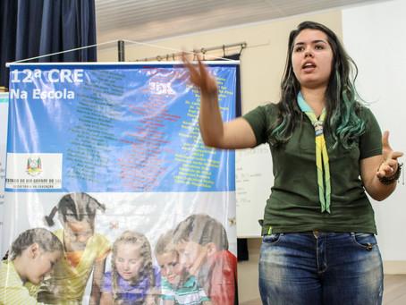 Escoteiros realizam palestra para professores da Rede Estadual
