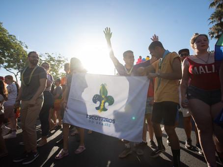 Escoteiros do Brasil participam da 23ª Parada Livre em Porto Alegre