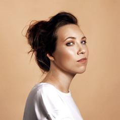 Māra Upmane-Holšteine, dziedātāja