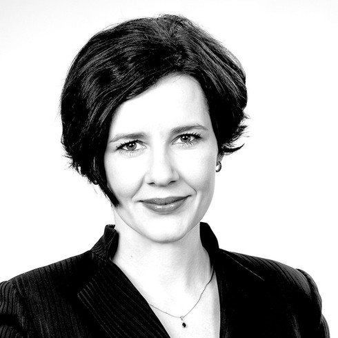 Dana Reizniece Ozola : LR Finanšu ministre