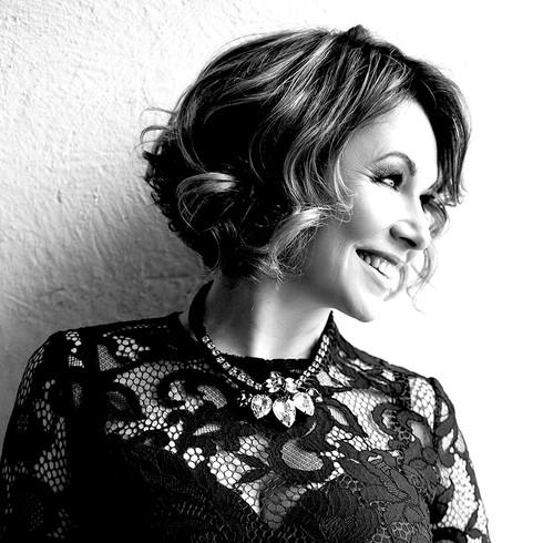Jolanta Gulbe Paškeviča : Džeza dziedātāja