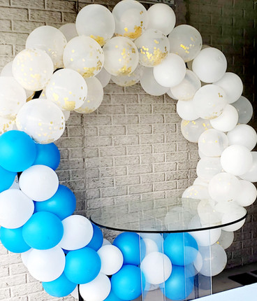 balloon arch for cake table