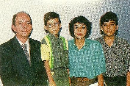 Presbítero Nozor e Família