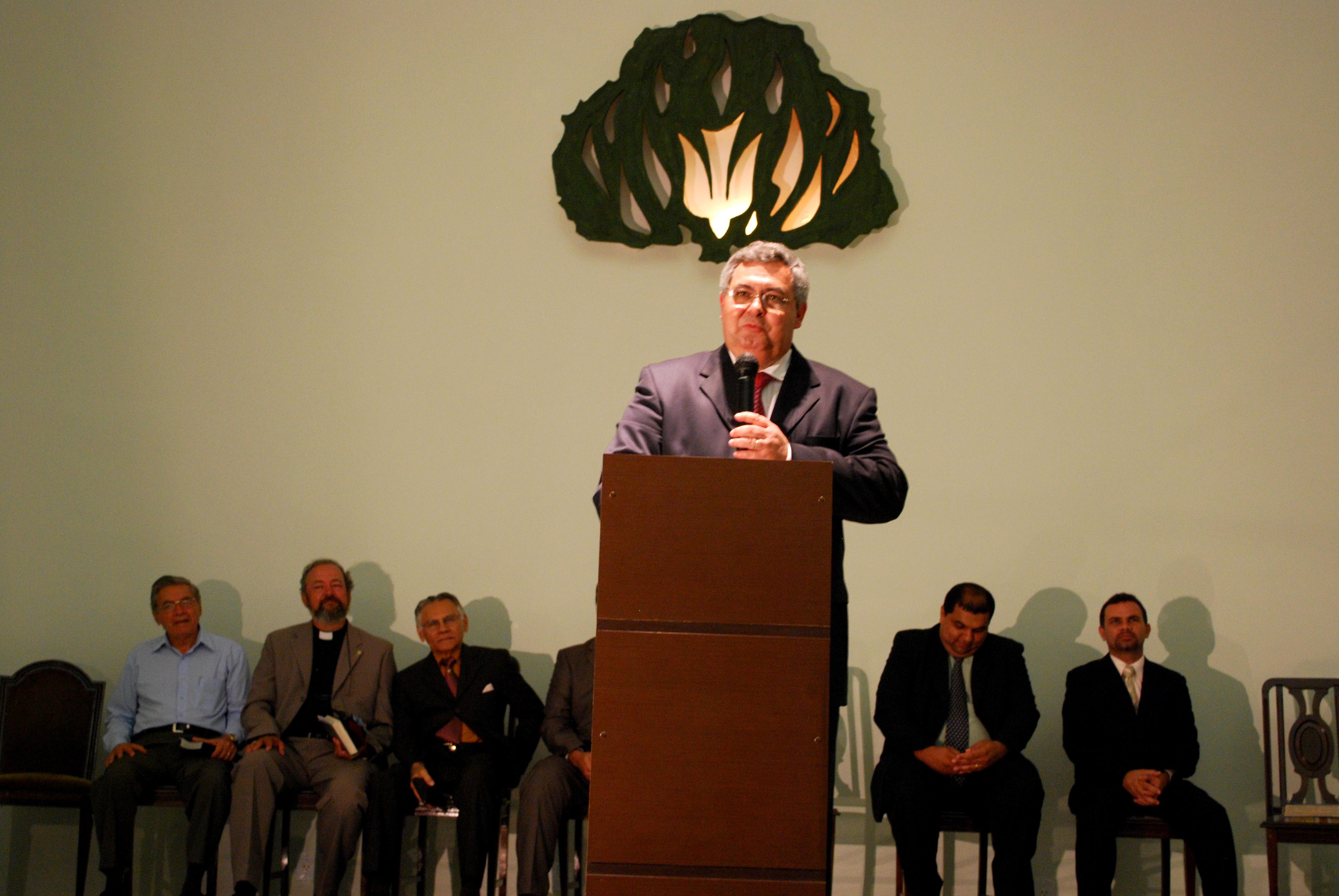 Rev. Roberto Brasileiro