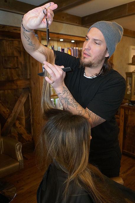 Facez Lead Hair Stylist Christopher Catanes