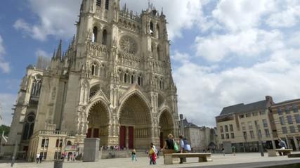 AmiensSquare.jpg