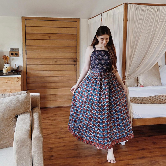 Shae by SASSAFRAS Women Blue & Maroon Geometric Printed A-Line Maxi Skirt