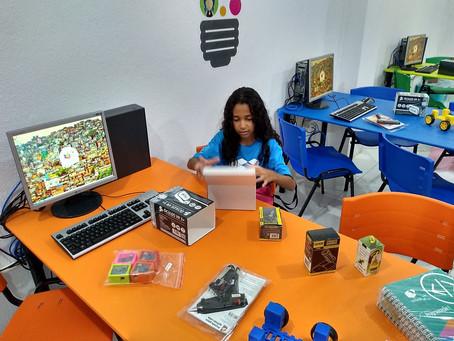 Projeto Crescer weiht das erste Robotik-Labor in Lauro de Freitas ein