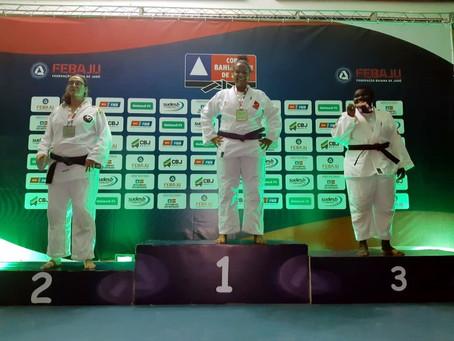 Judokas des Projeto Crescer: Erfolgreich unter 20.000 Teilnehmern - Spiele statt Brot?