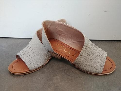 Adele Flat Shoe