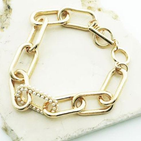 Pearl and Gold linked bracelet