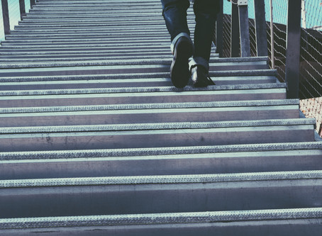 Stairs Should NOT Cause Knee Pain