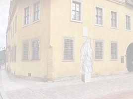 Christian-Wolff-Denkmal (verhüllt)