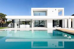 Sky-Frame Pool House