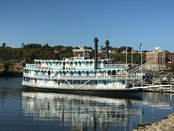 twilight riverboat1.jpg