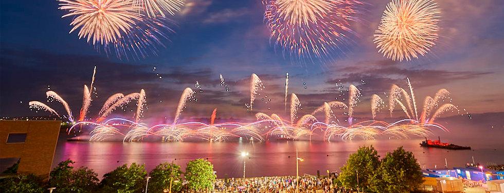 fireworks wide.jpg