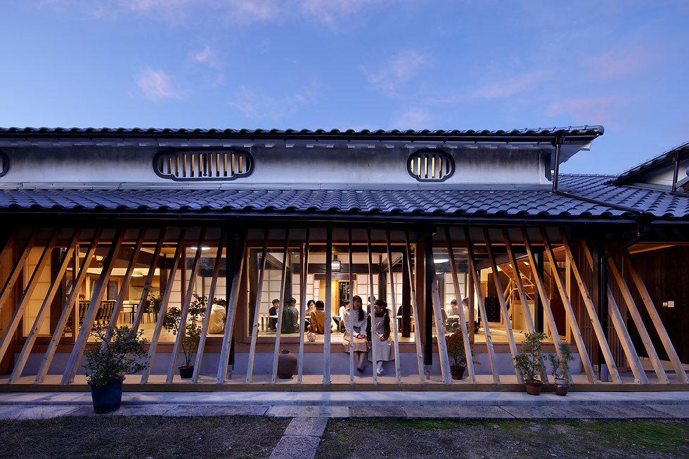 建築写真008_斜め格子の農家住宅-築150年の古民家の再生-.jpg