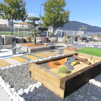 gravier décoratif elne pelouse synthétique traverse jardin extérieur