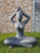 statue yoga pelouse synthétique gravier décoratif  elne perpignan