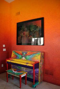 Faux Orange Gradiation Wall by ABQ Art Glass