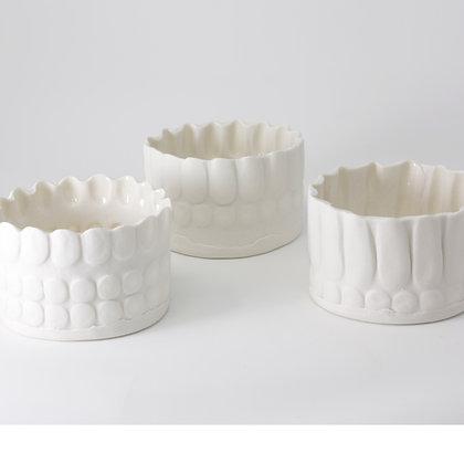 3x mini porcelain vessels