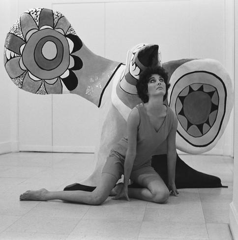 1968-Delante_del_pájaro_de_Nicky_modelo_