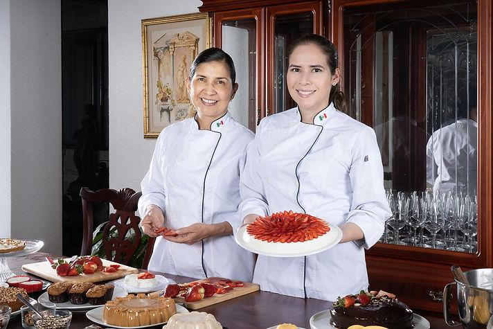 Sra. Inés y Maria José, fundadoras de Respostería María Inés