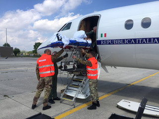 Volo sanitario con Équipe medica I-HELP: Londra-Istrana