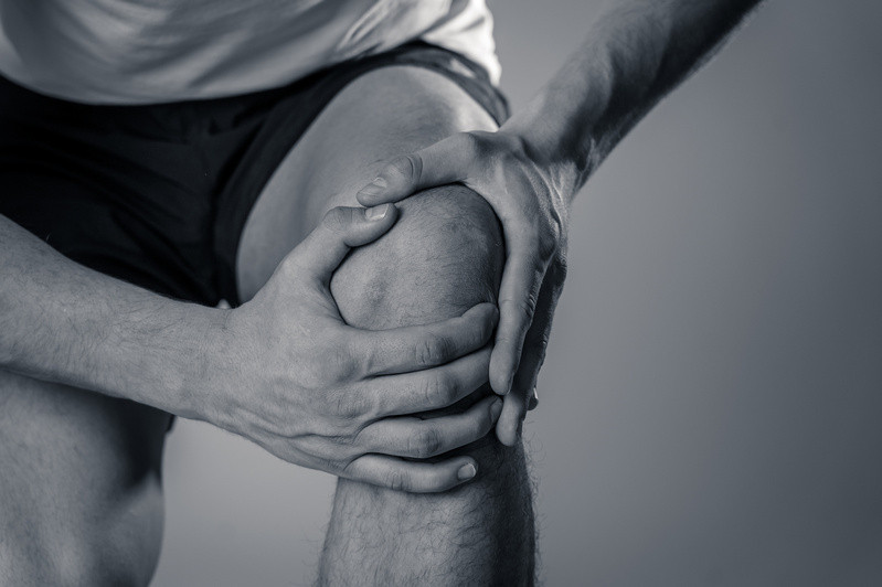 Arthritis causes pain in the joints and knees