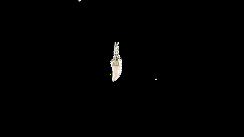 Arracada Zirconia con Charm Colmillo de Cuarzo Rosa