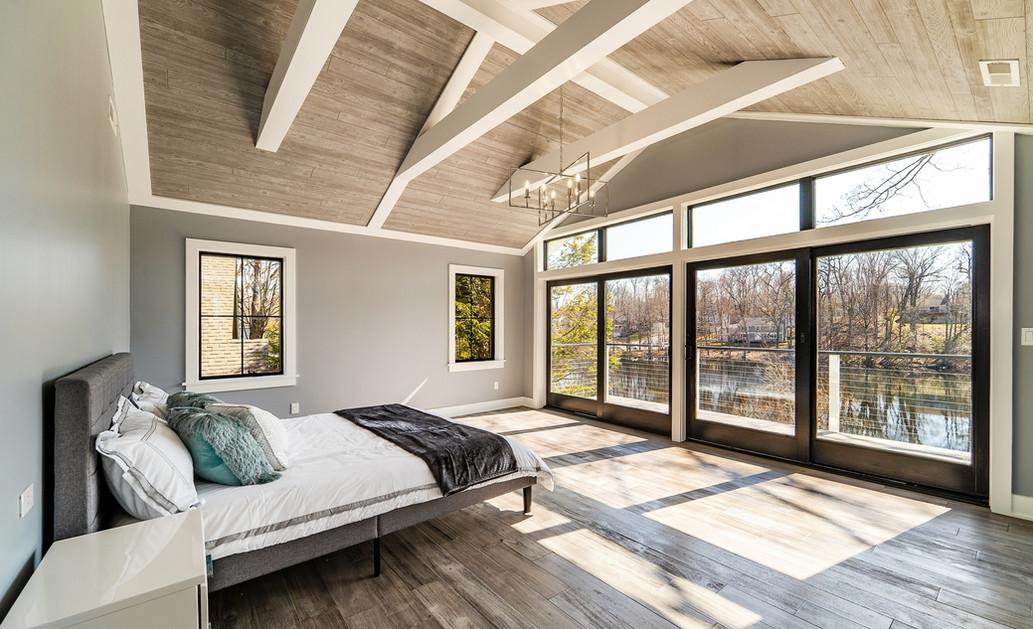 Master Bed & Deck.jpg