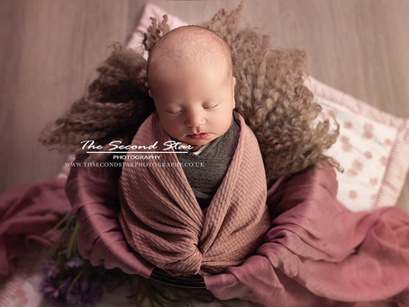 Introducing Newborn Mini Sessions - The Swaddled Mini Star