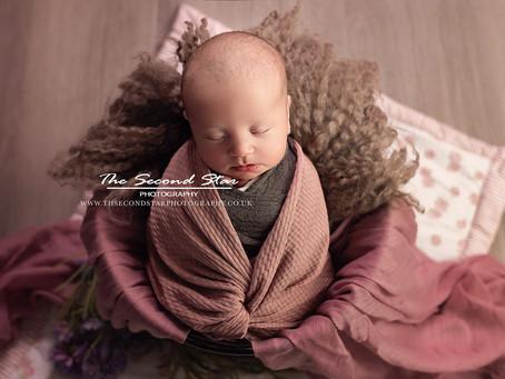 Introducing Newborn Mini Sessions - The Swaddled Mini Star