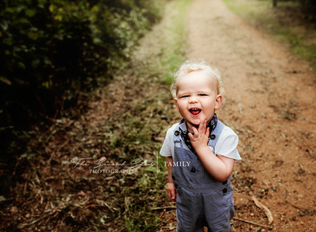 Outdoor family sessions with the one year old Arlo