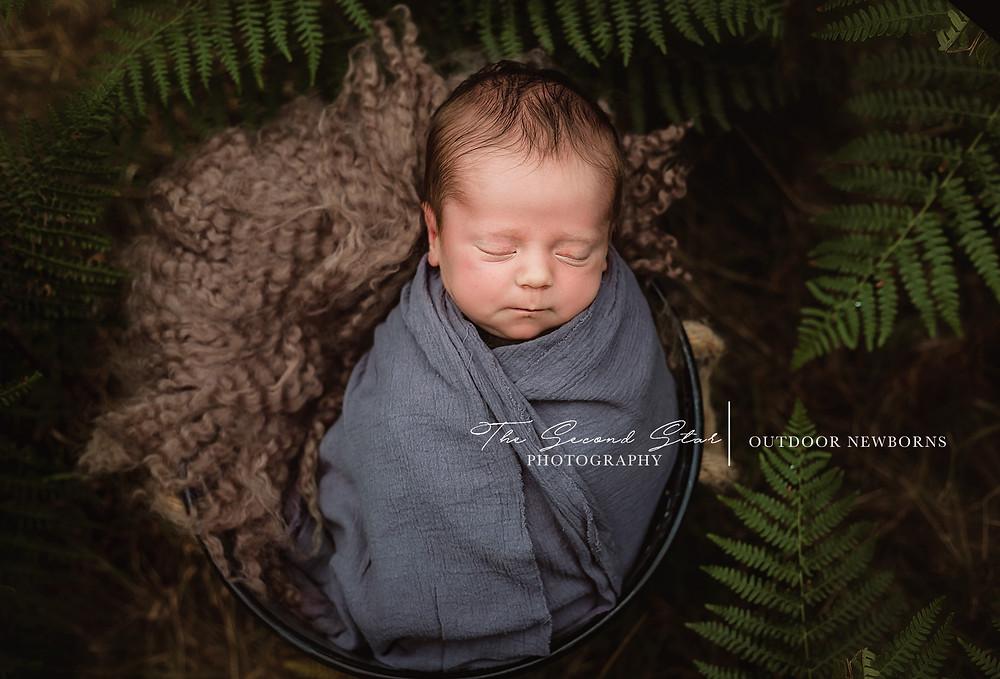 Outdoor newborn photoshoot Oxfordshire