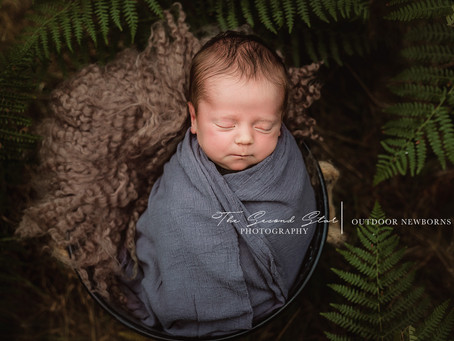 Outdoor Autumnal newborn & family session with baby W - Oxfordshire newborn photography
