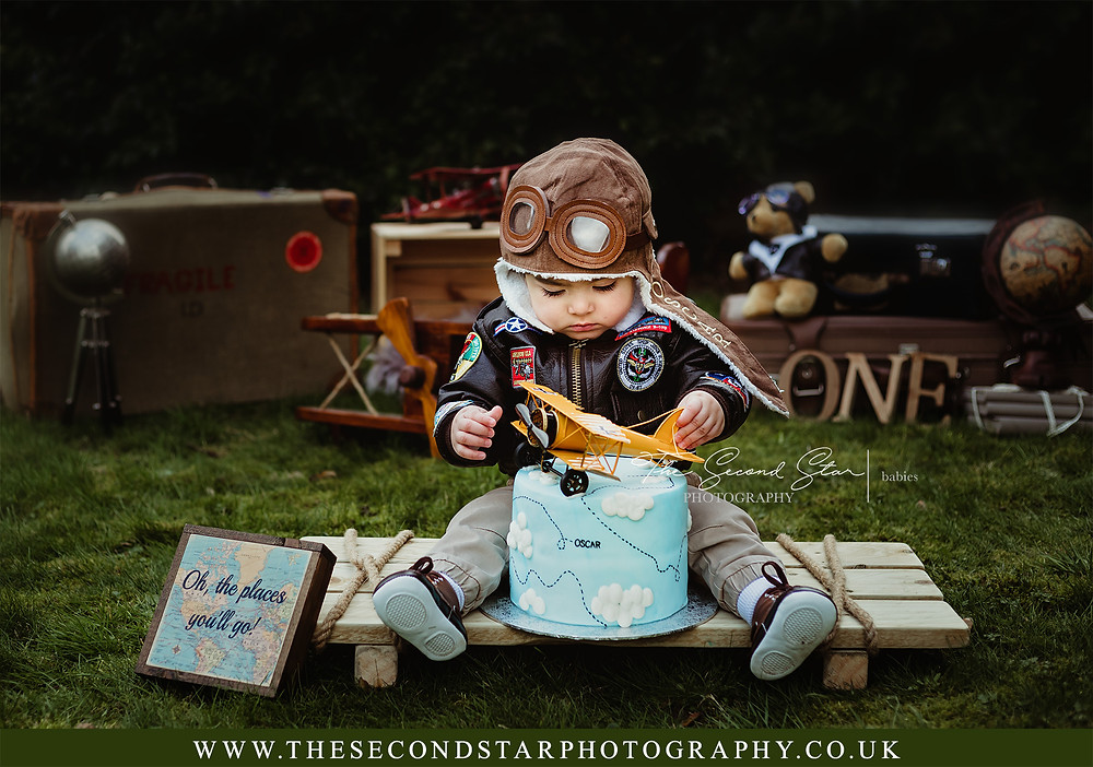 Outdoor cake smash photographer Oxfordshire