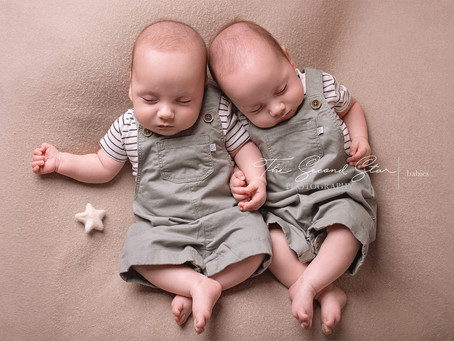 Good things come in pairs -  baby photoshoot in Oxfordshire with 4 month old twin boys