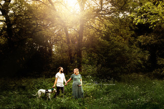 outdoor-maternity-photoshoot-oxfordshire.jpg