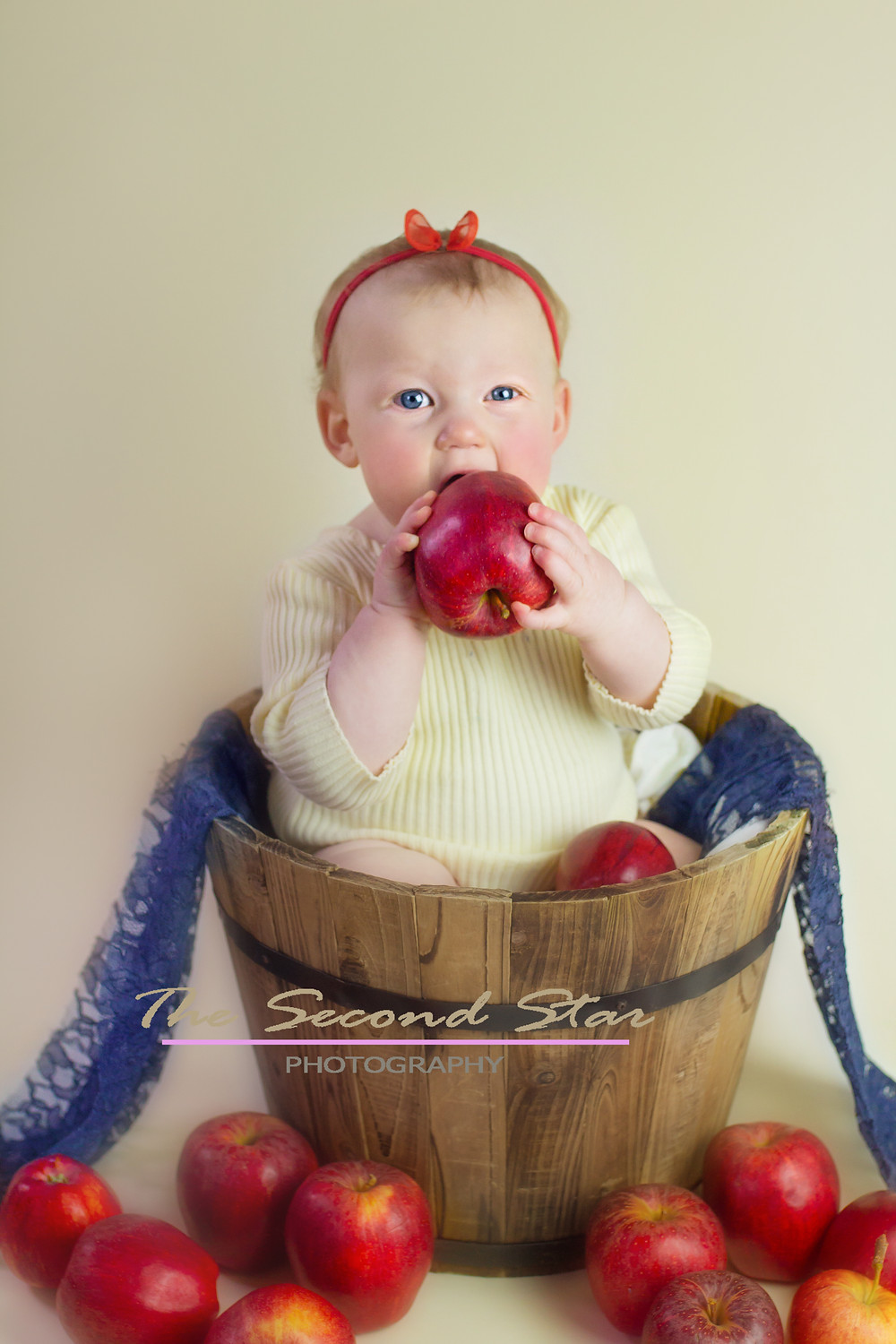 Snow White toddler photography