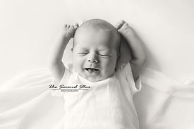 NEWBORN-PHOTOGRAPHER-BICESTER.jpg