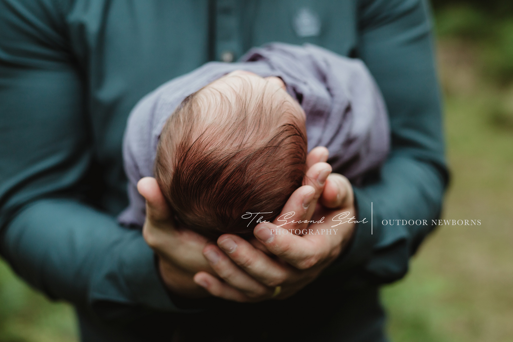 outdoor-newborn-photography-Bicester