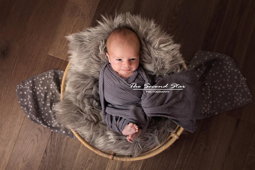 Newborn mini photoshoot Bicester