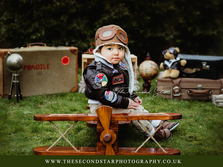 Oscar's vintage aviator outdoor cake smash session - Baby and Family photography Oxfordshire
