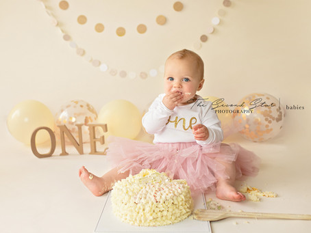 Sienna's Gold and Cream 1st Birthday Cake Smash & Splash Photoshoot Bicester, Oxfordshire