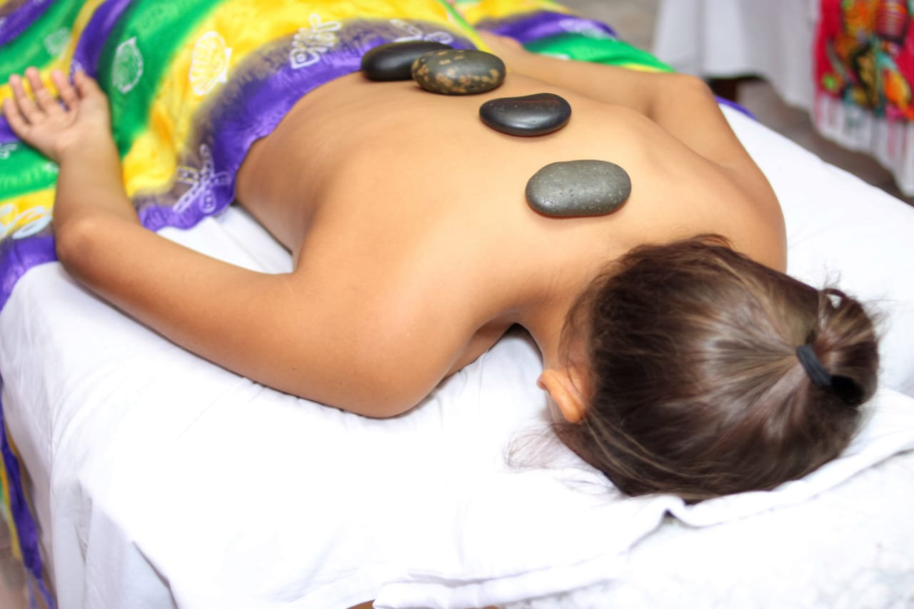 Hot Stone Therapy 60 Min
